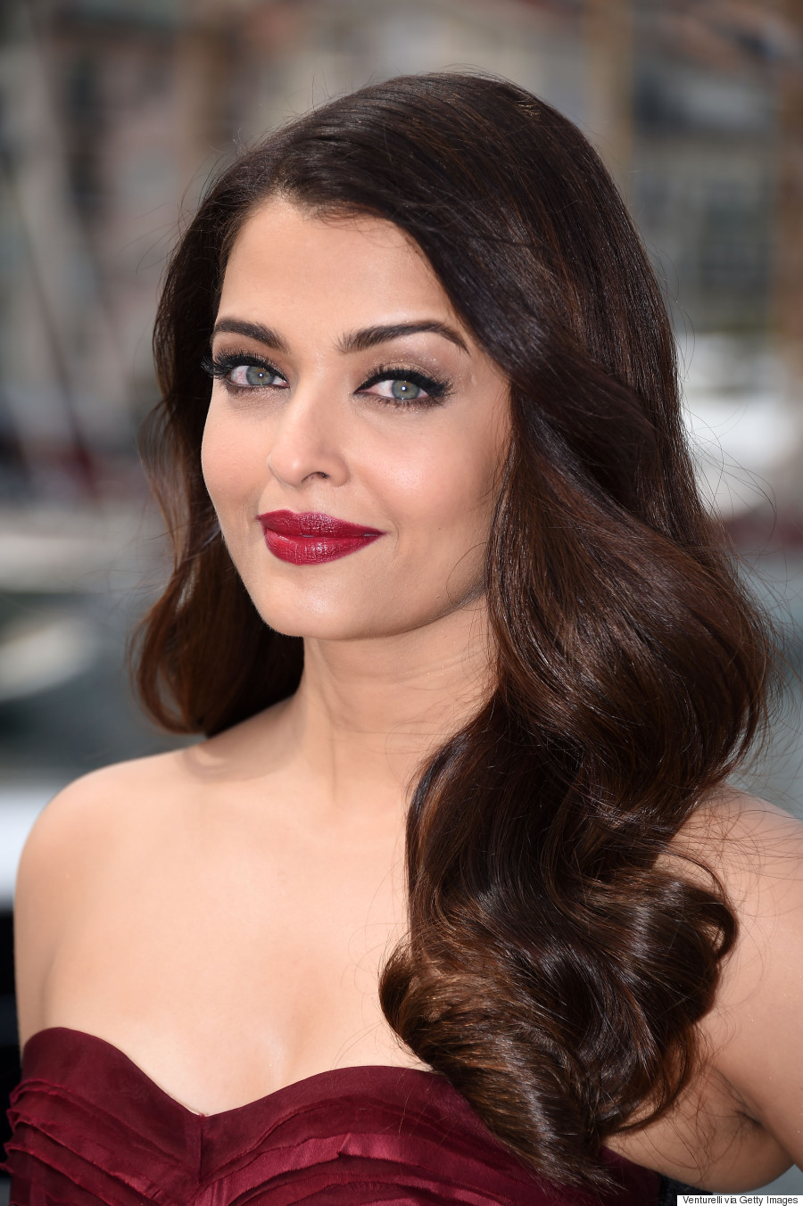 Aishwarya Rai Delivers The Drama At Cannes Film Festival In