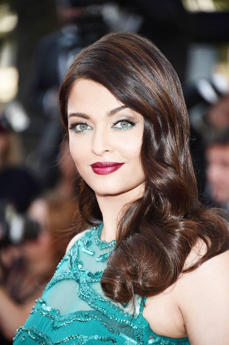 Aishwarya Rai Bachchan photos: 50 best looking, hot and beautiful