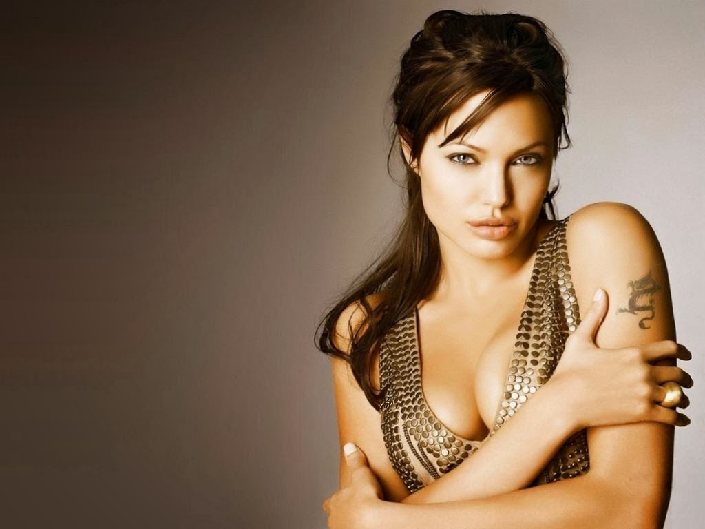 Angelina Jolie Hot HD Photos | WallpapersCharlie