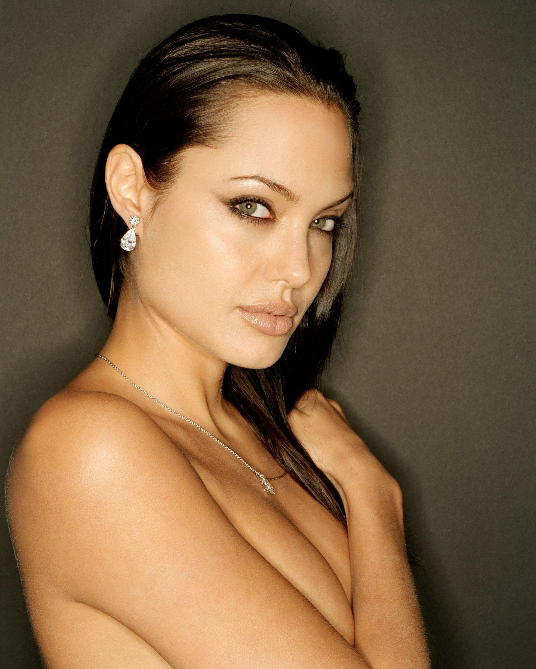 That angelina jolie sexy in lingerie with