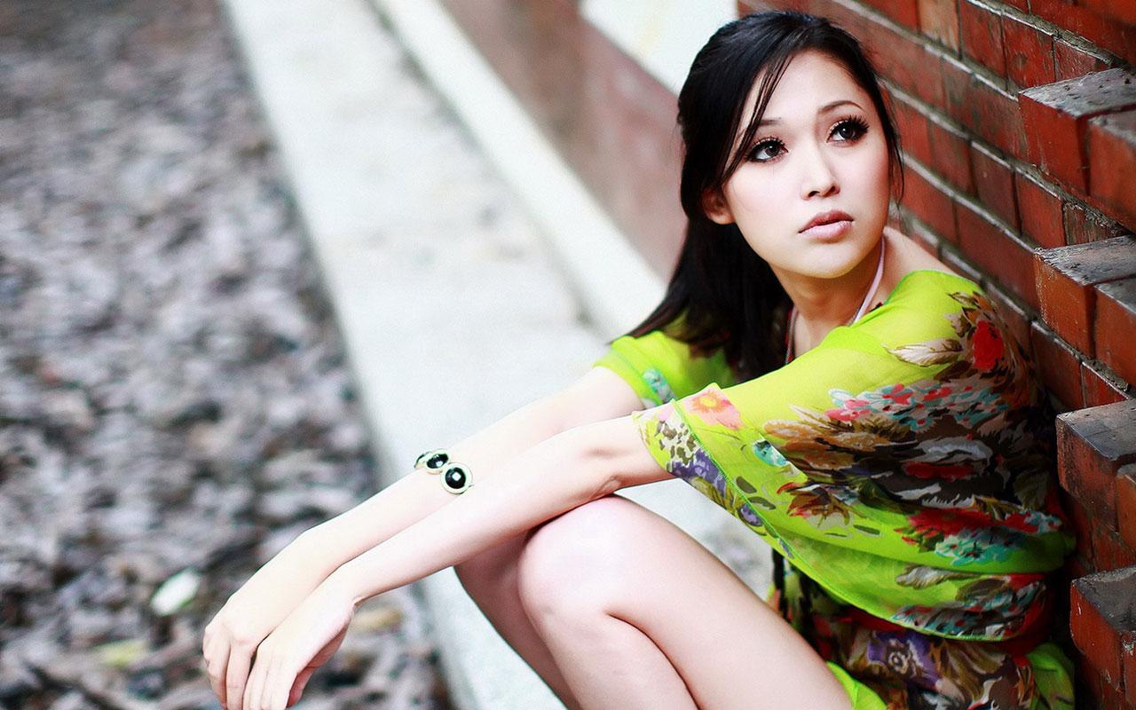 Beautiful Asian Girl Wallpaper