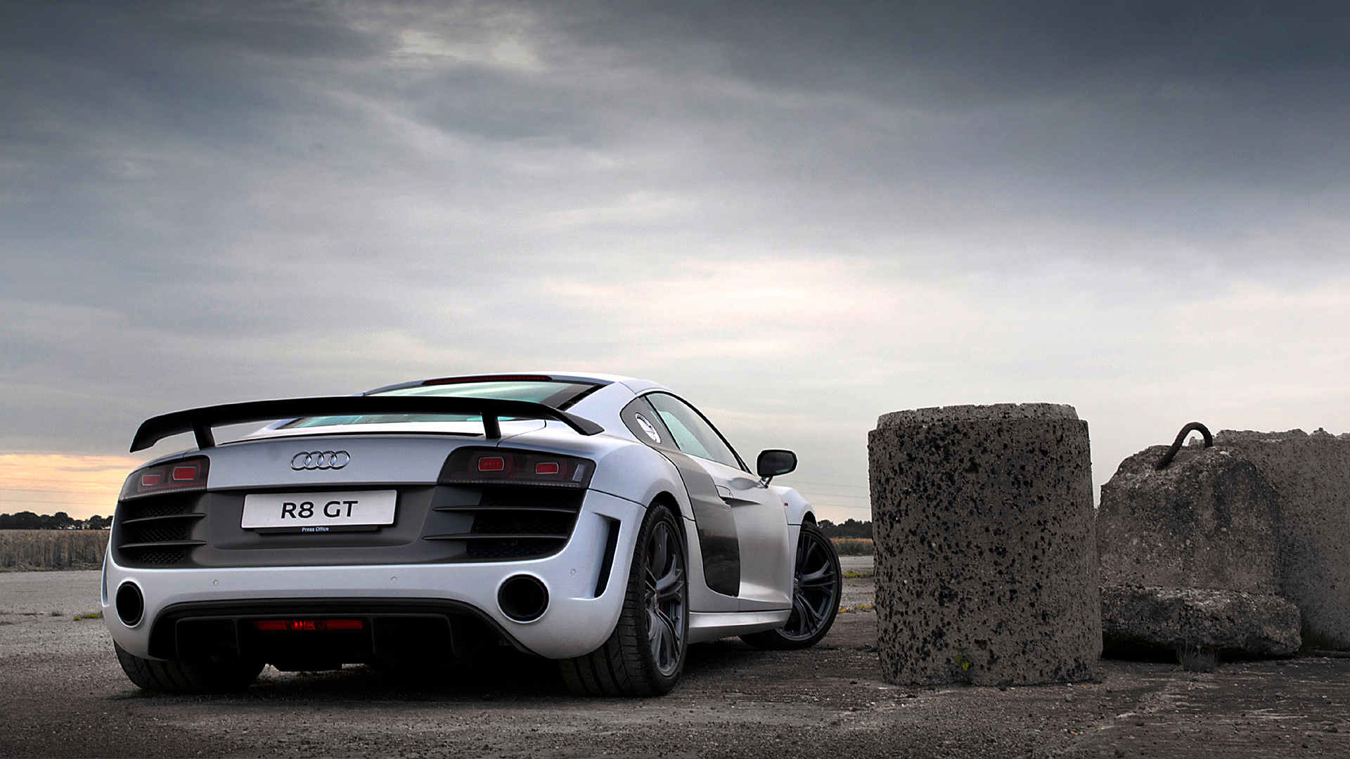 Audi R8 Wallpapers HD Download