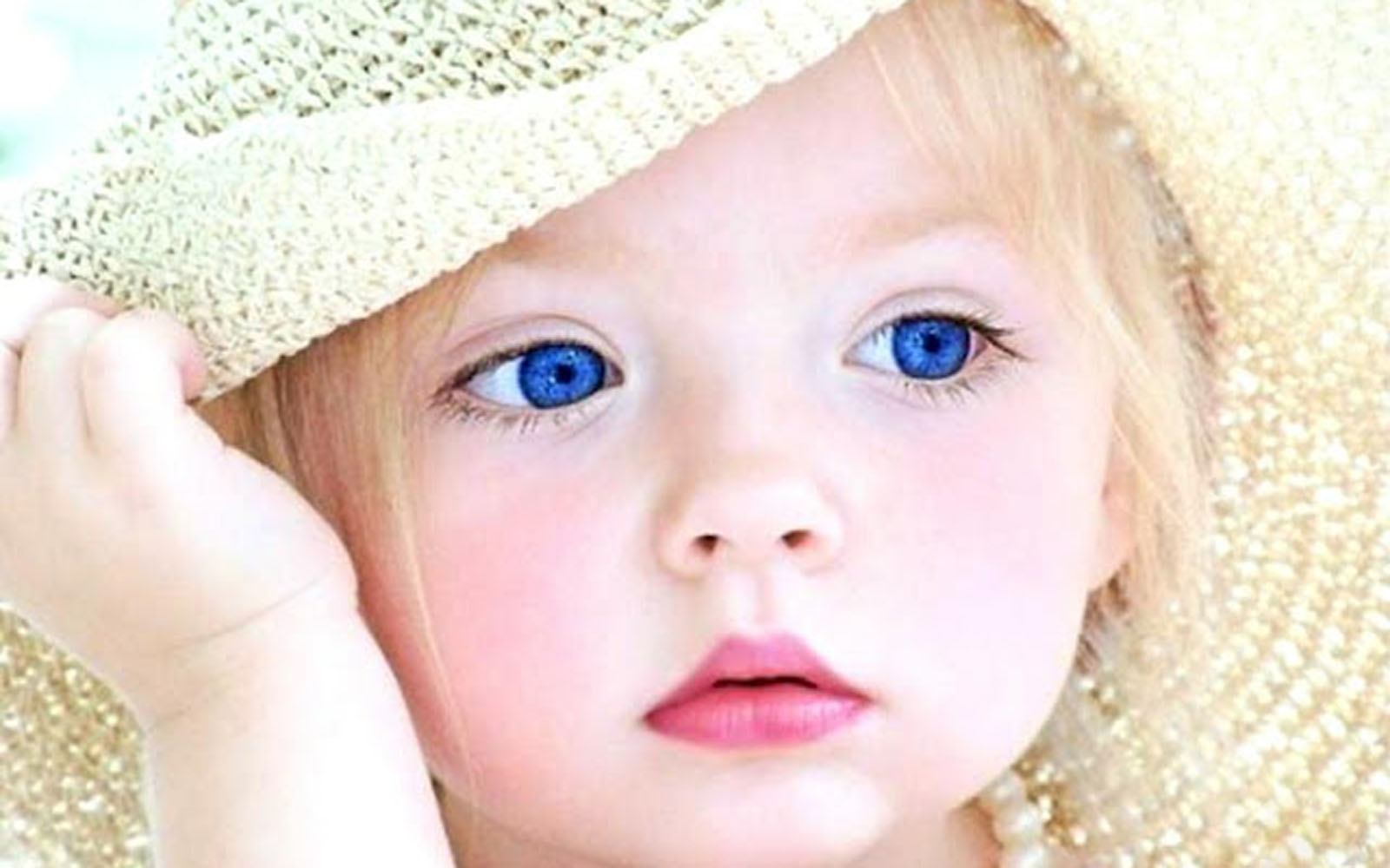 1000+ ideas about Cute Baby Wallpaper on Pinterest | Beautiful