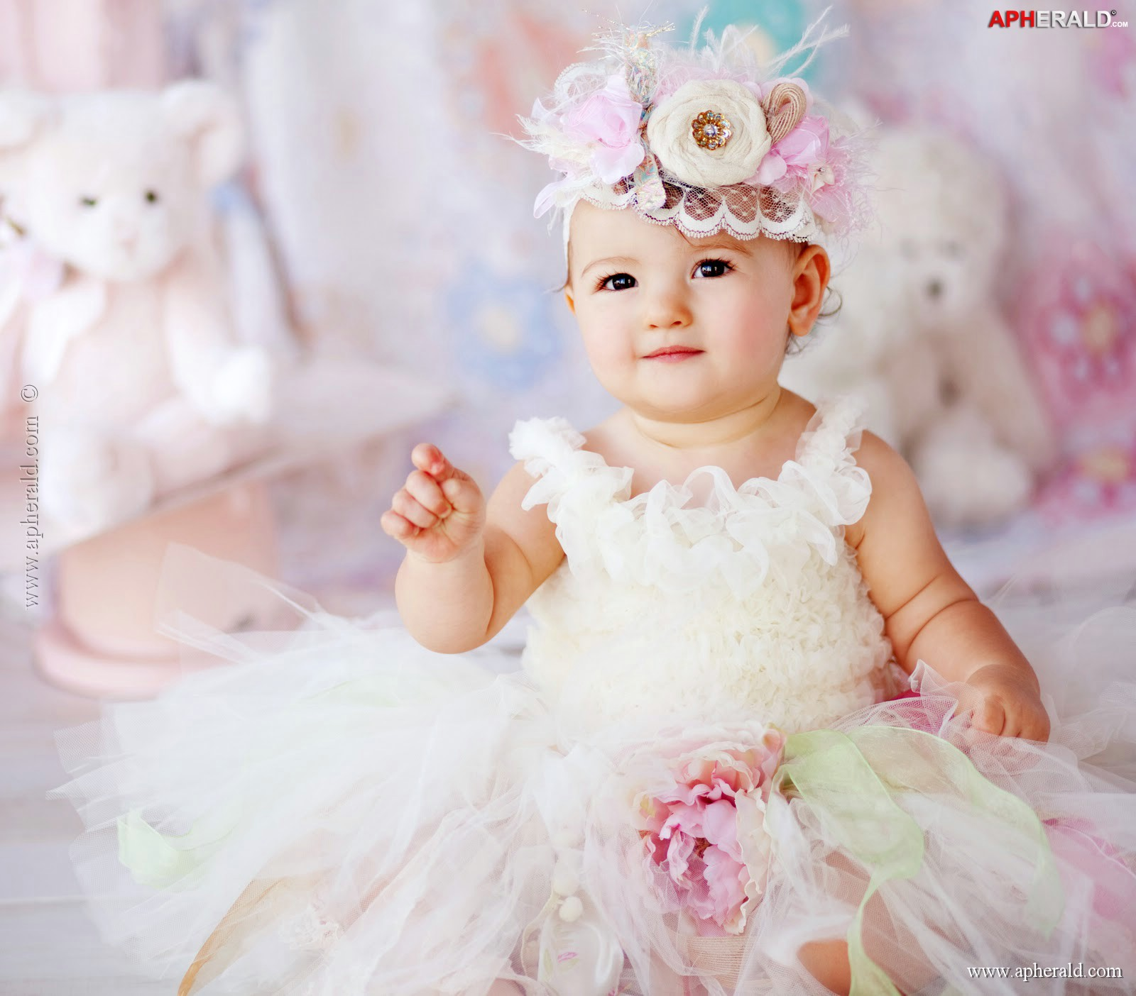 Baby girls wallpaper sf wallpaper cute baby girl wallpapers first hd wallpapers thecheapjerseys Images