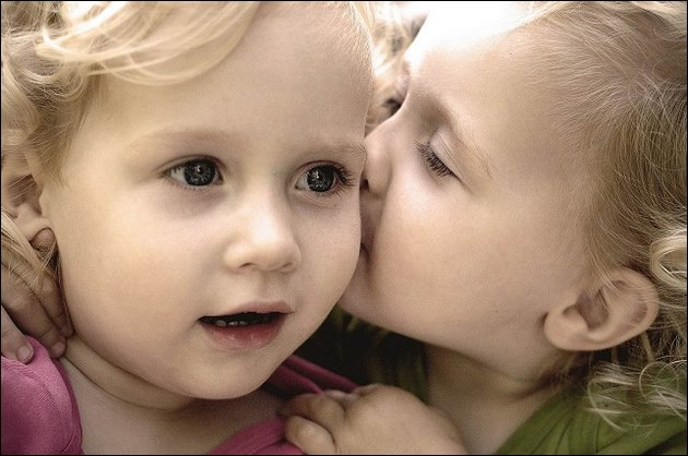 1000+ images about Babies on Pinterest | Baby kiss, Wallpapers and