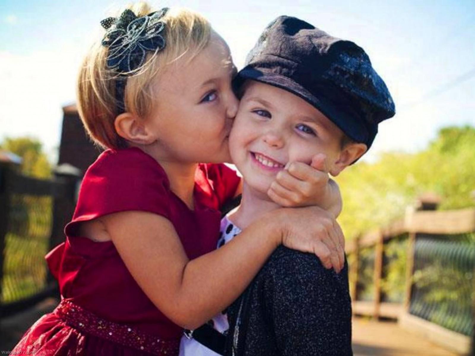Cute Baby Kiss 6992818