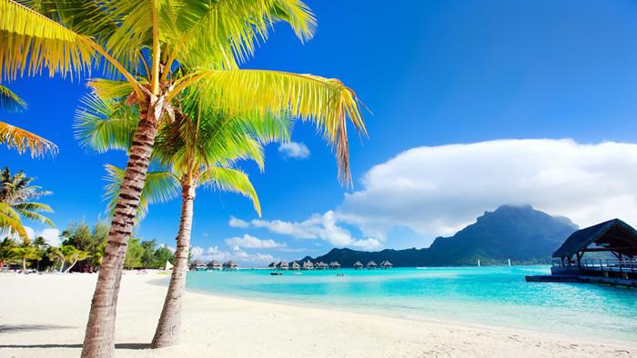 30 Beautiful Free Beach Desktop Wallpapers