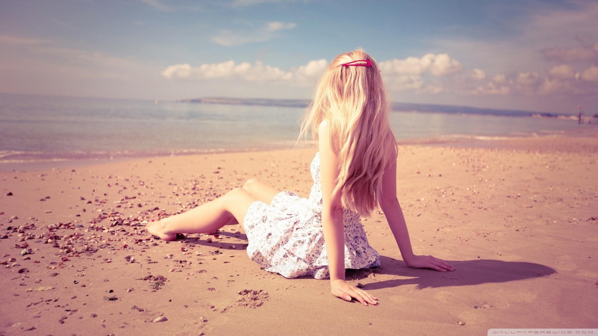 Blonde Girl On The Beach HD desktop wallpaper : High Definition