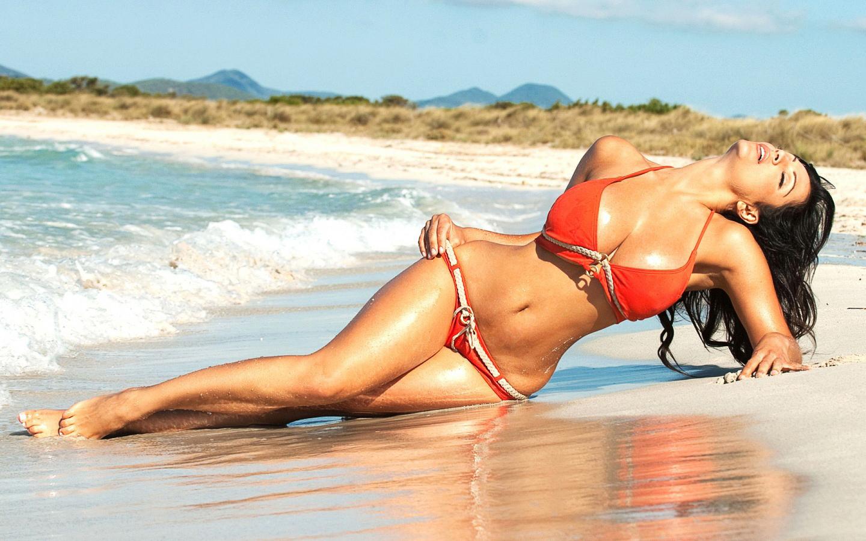 Best Beach Girl Wallpaper Gallery | PicsHunger