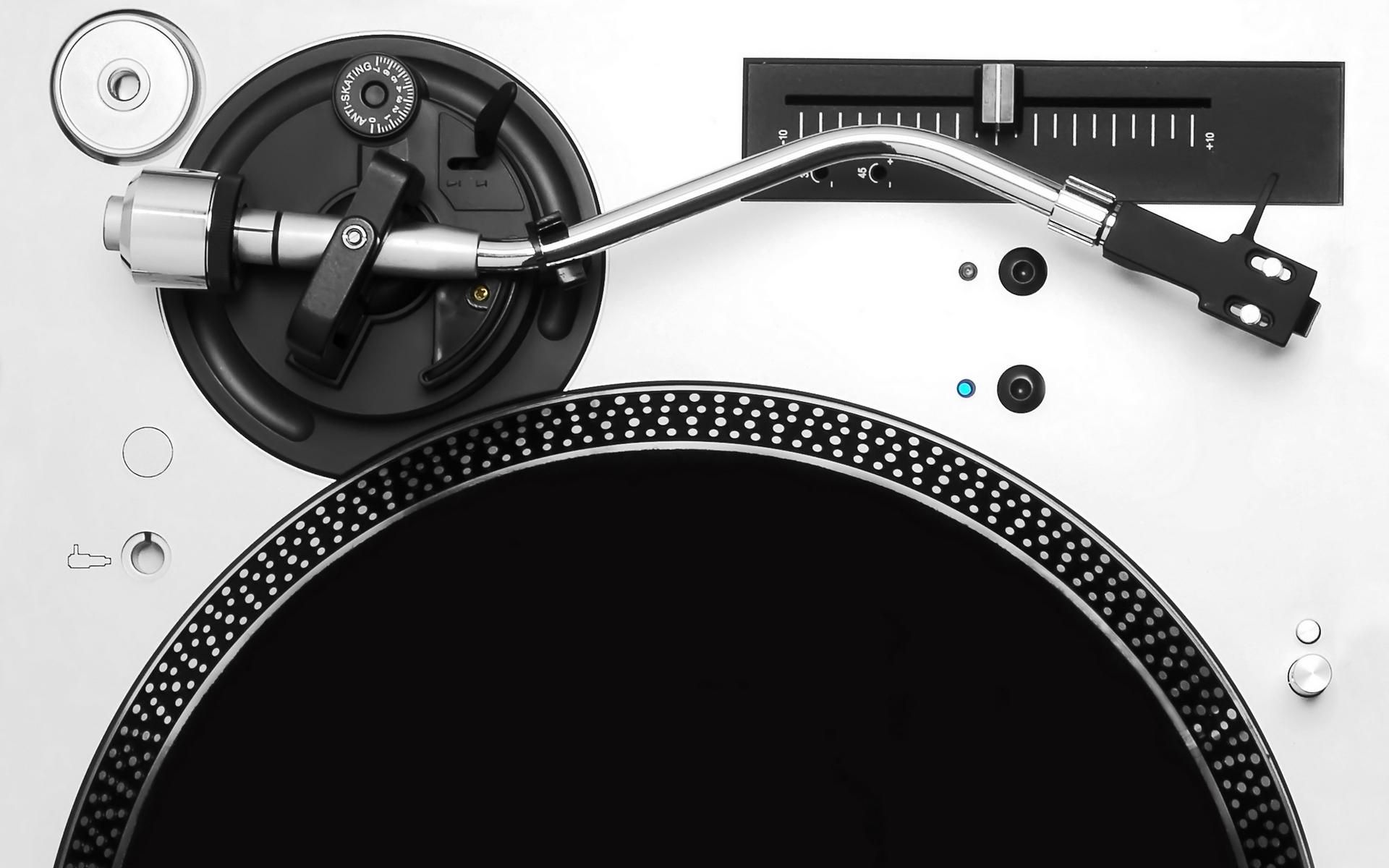 Black And White Wallpaper Music-8 | Dj's | Pinterest | Black and