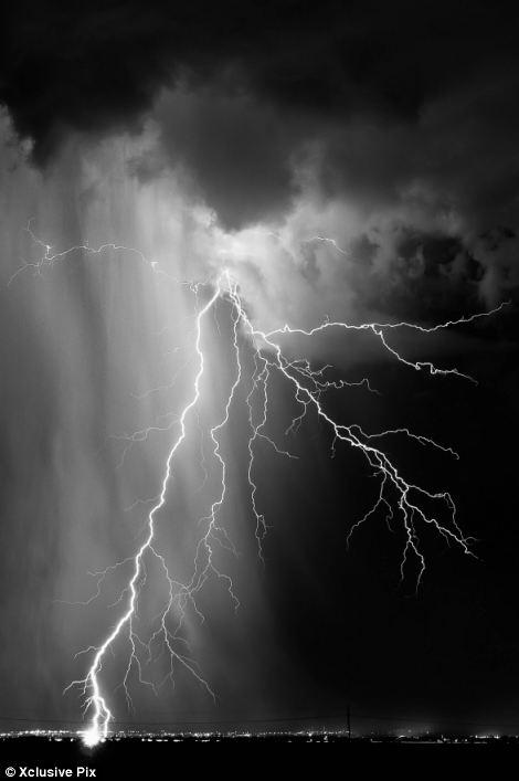 Wallpaper - Lightning Wallpapers http://3 bp blogspot