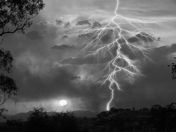 lightning pictures wallpaper, black lightning wallpaper, cool