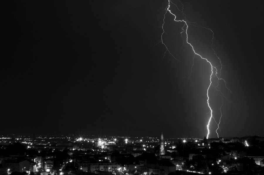 lightning black and white by scooty63 on DeviantArt