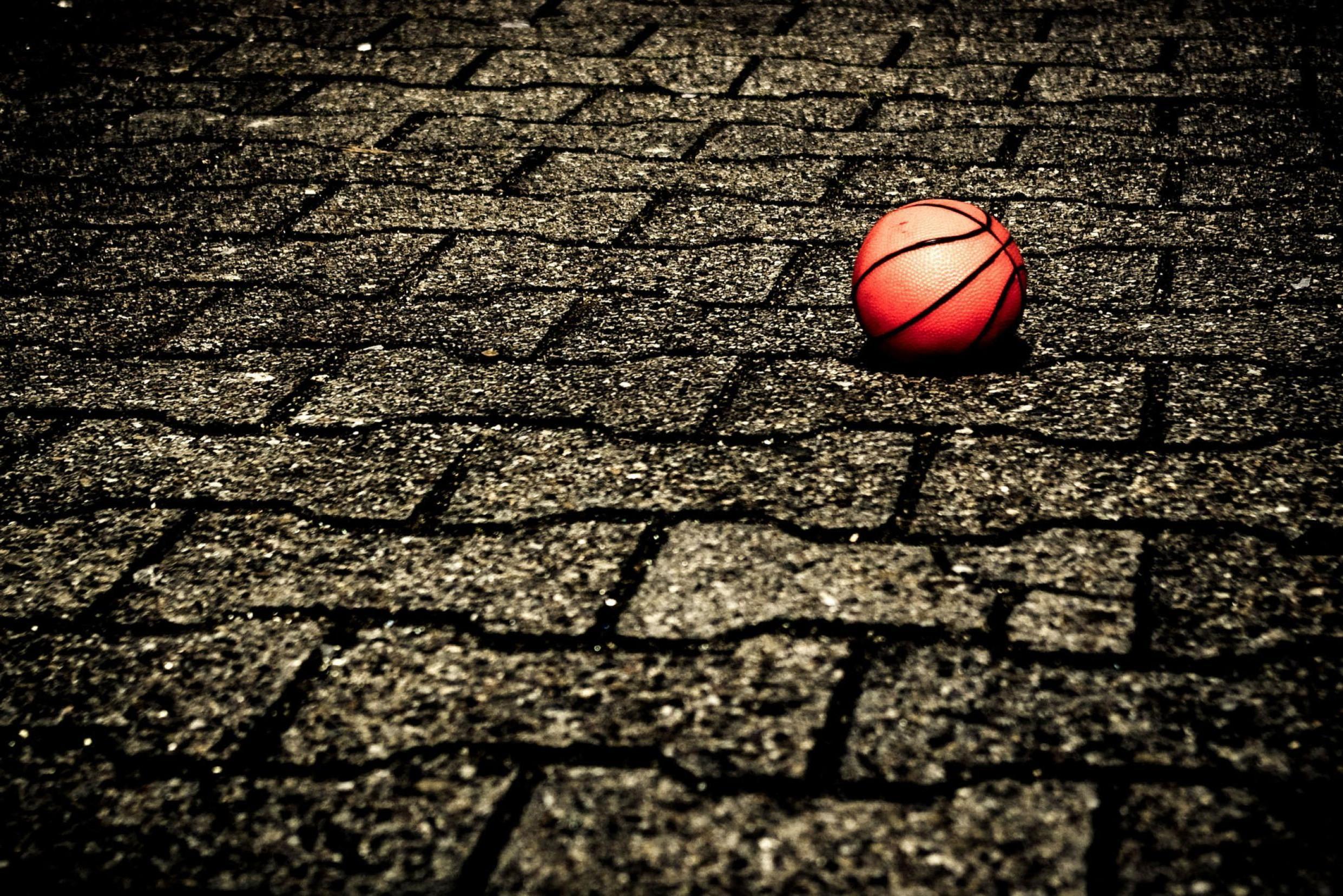 Cool Basketball Wallpaper Images - WallpaperSafari