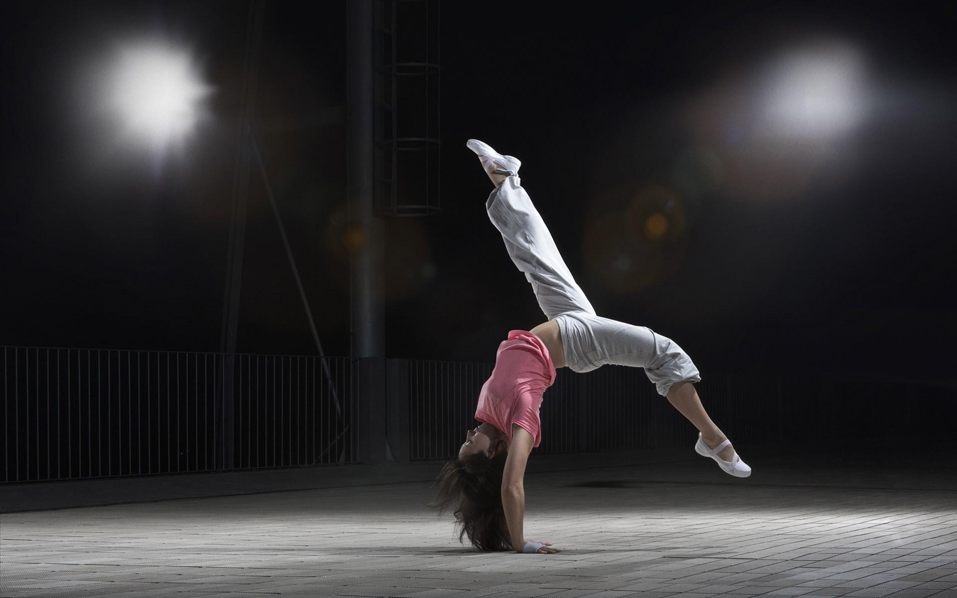 Beautiful and Crazy Dance HD Wallpapers, Dancing Photos