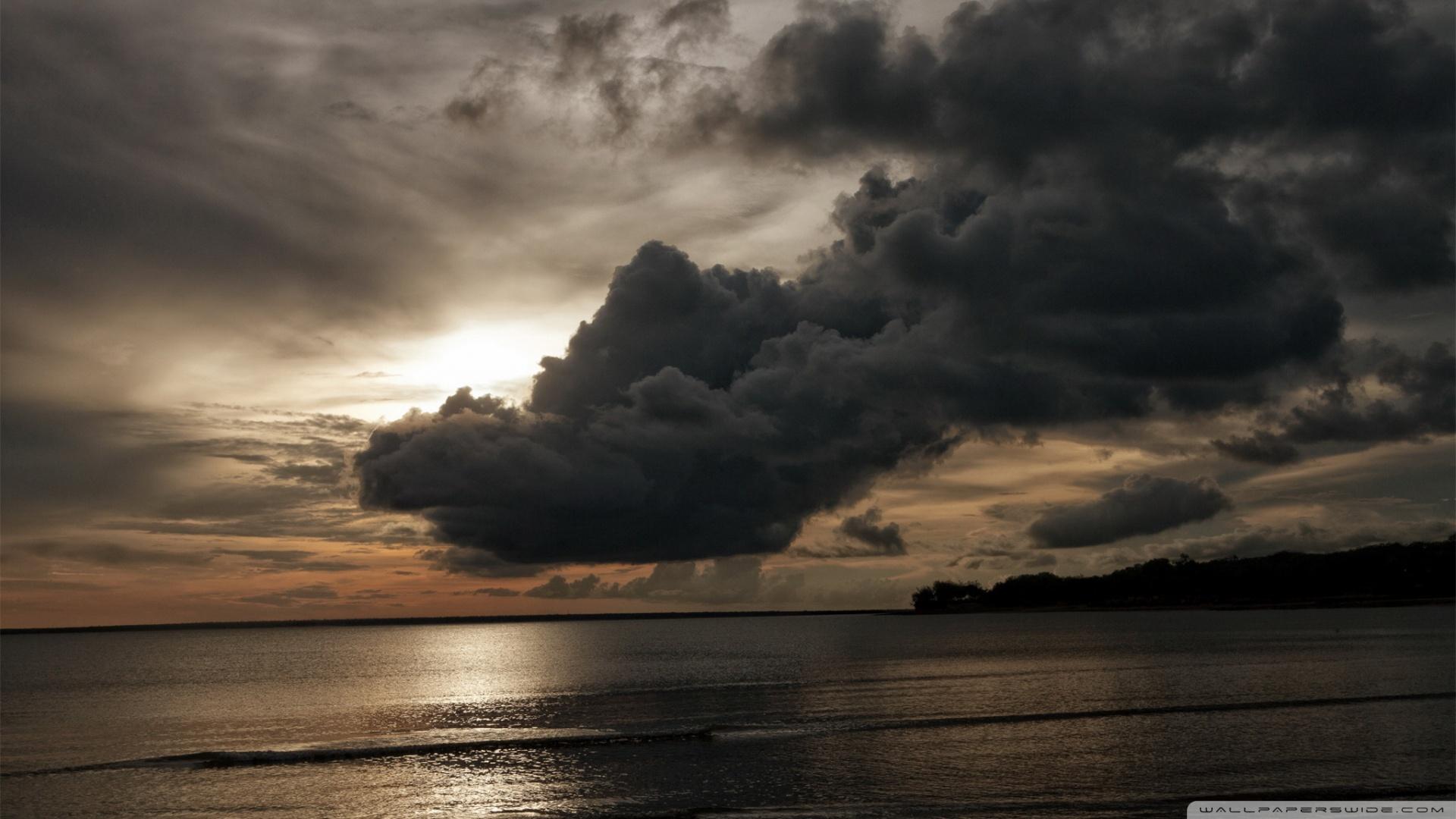 Dark Clouds - Beach HD desktop wallpaper : High Definition