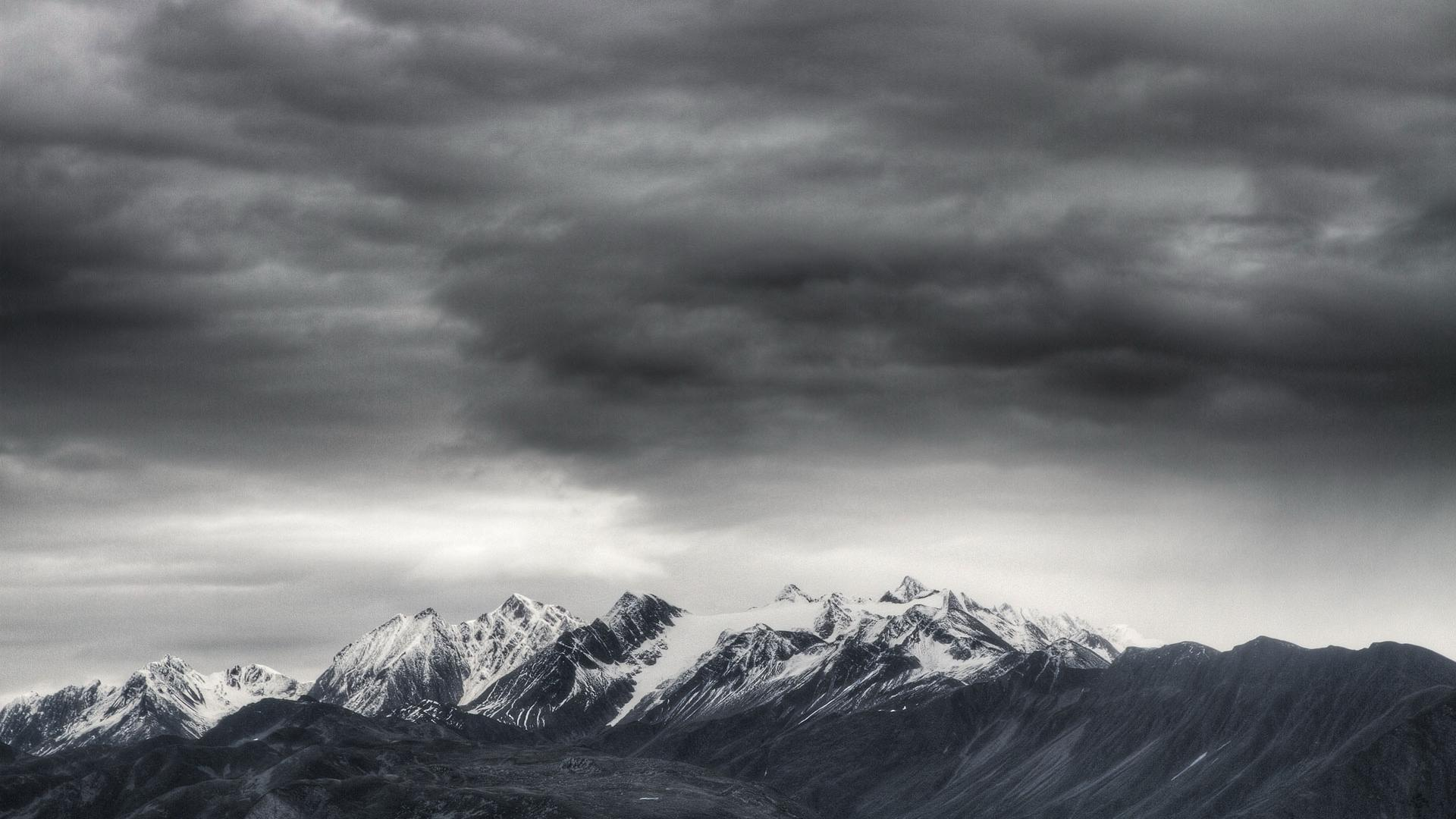The Dark Clouds And Mountain Widescreen and HD background Wallpaper