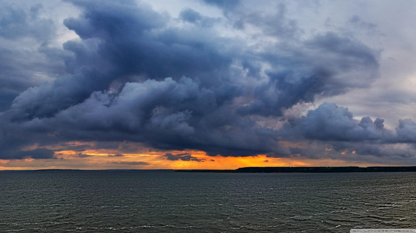 Dark Clouds HD desktop wallpaper : Widescreen : High Definition