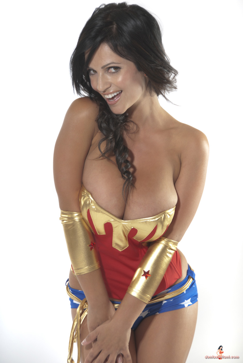 Be careful if you meet Denise Milani online    Freakin' Awesome