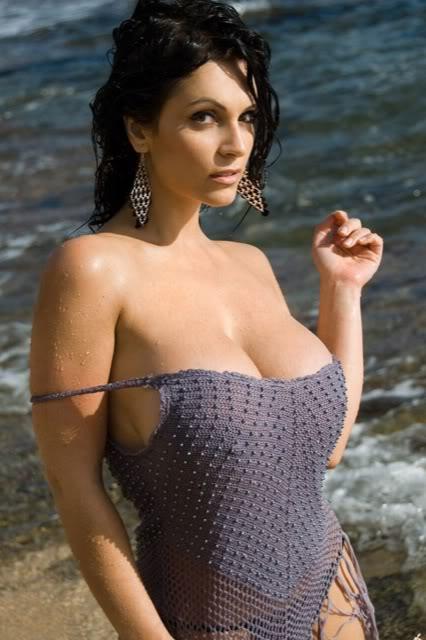 Where Czech model Denise Milani can pass?