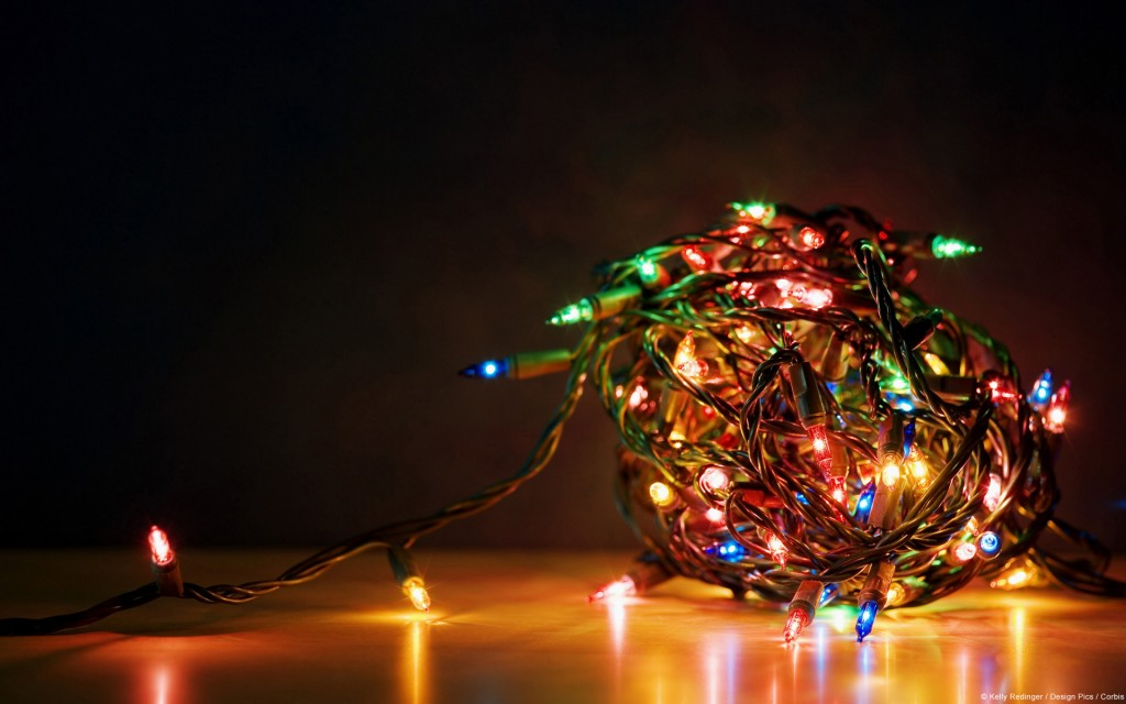 15 Festive Holiday Desktop Wallpapers to Celebrate Christmas