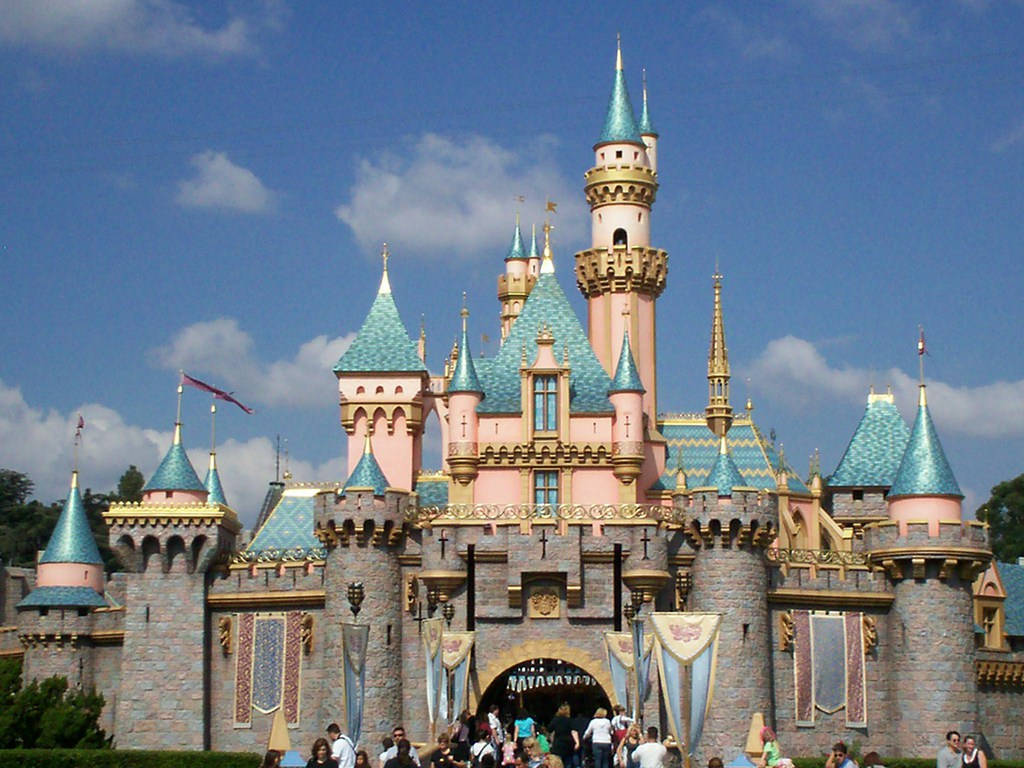 Disney Castle Wallpaper HD - WallpaperSafari