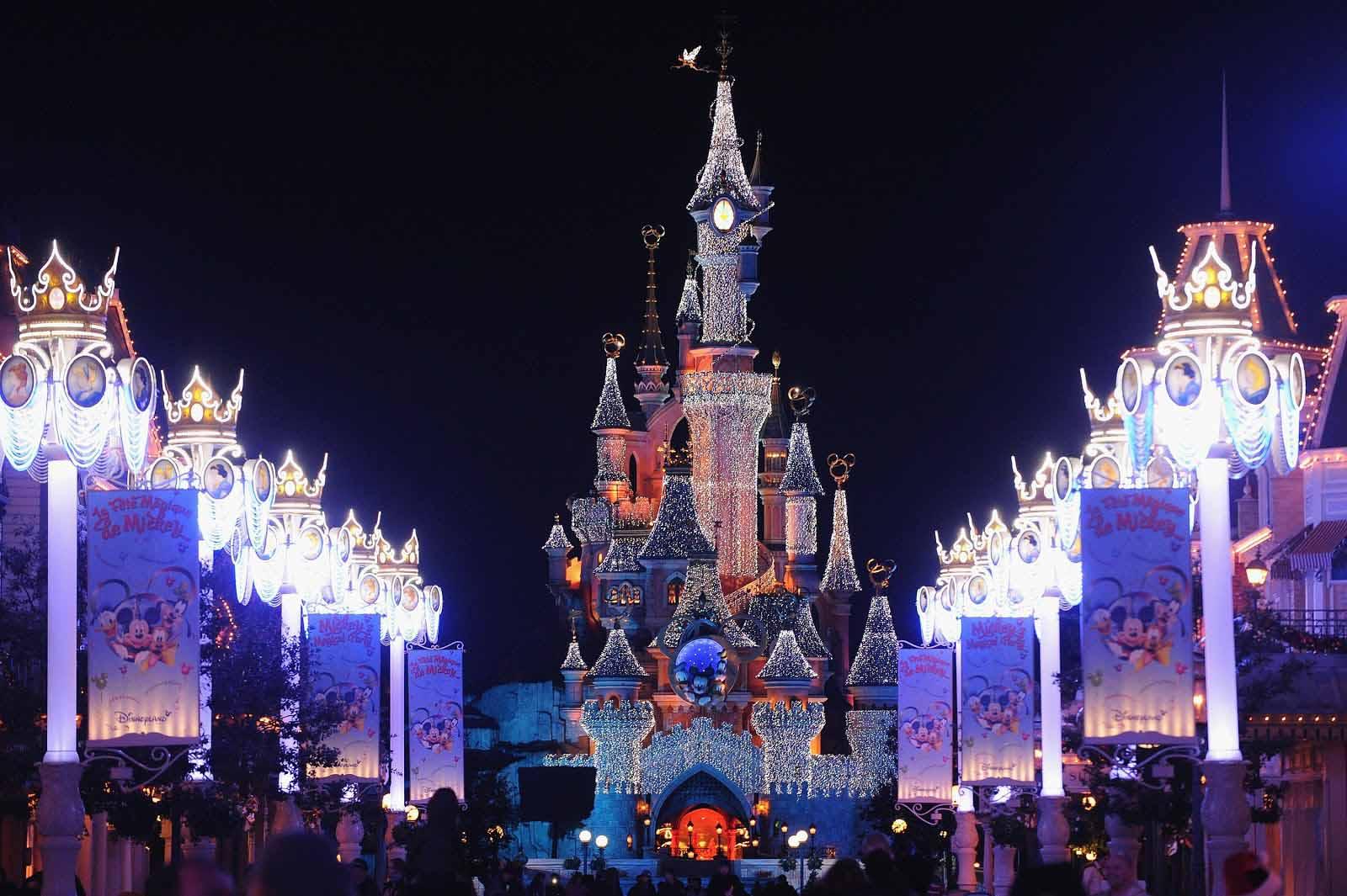 Disney World Wallpapers - WallpaperSafari