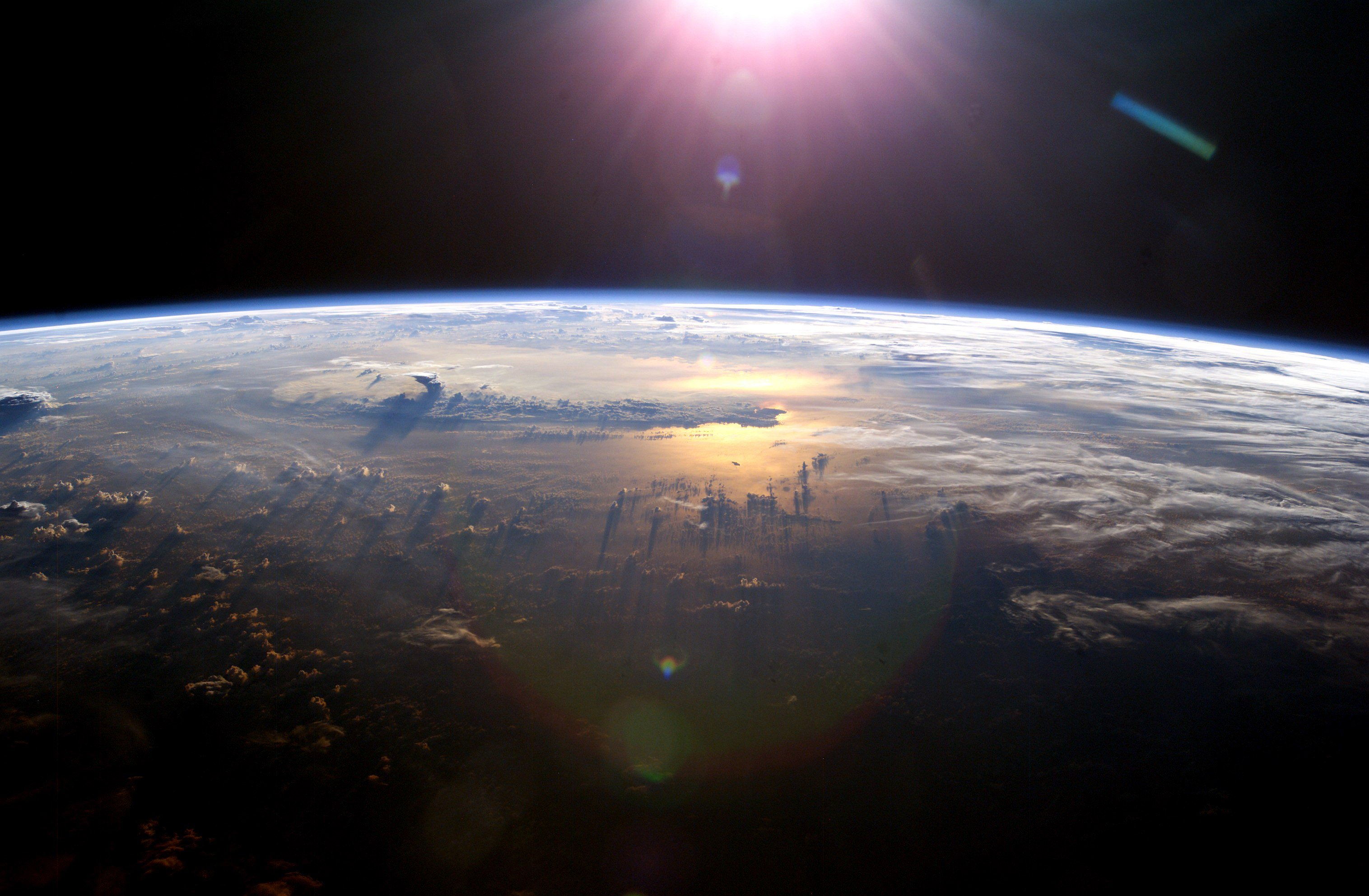 What it's like to experience the overview effect - Business Insider
