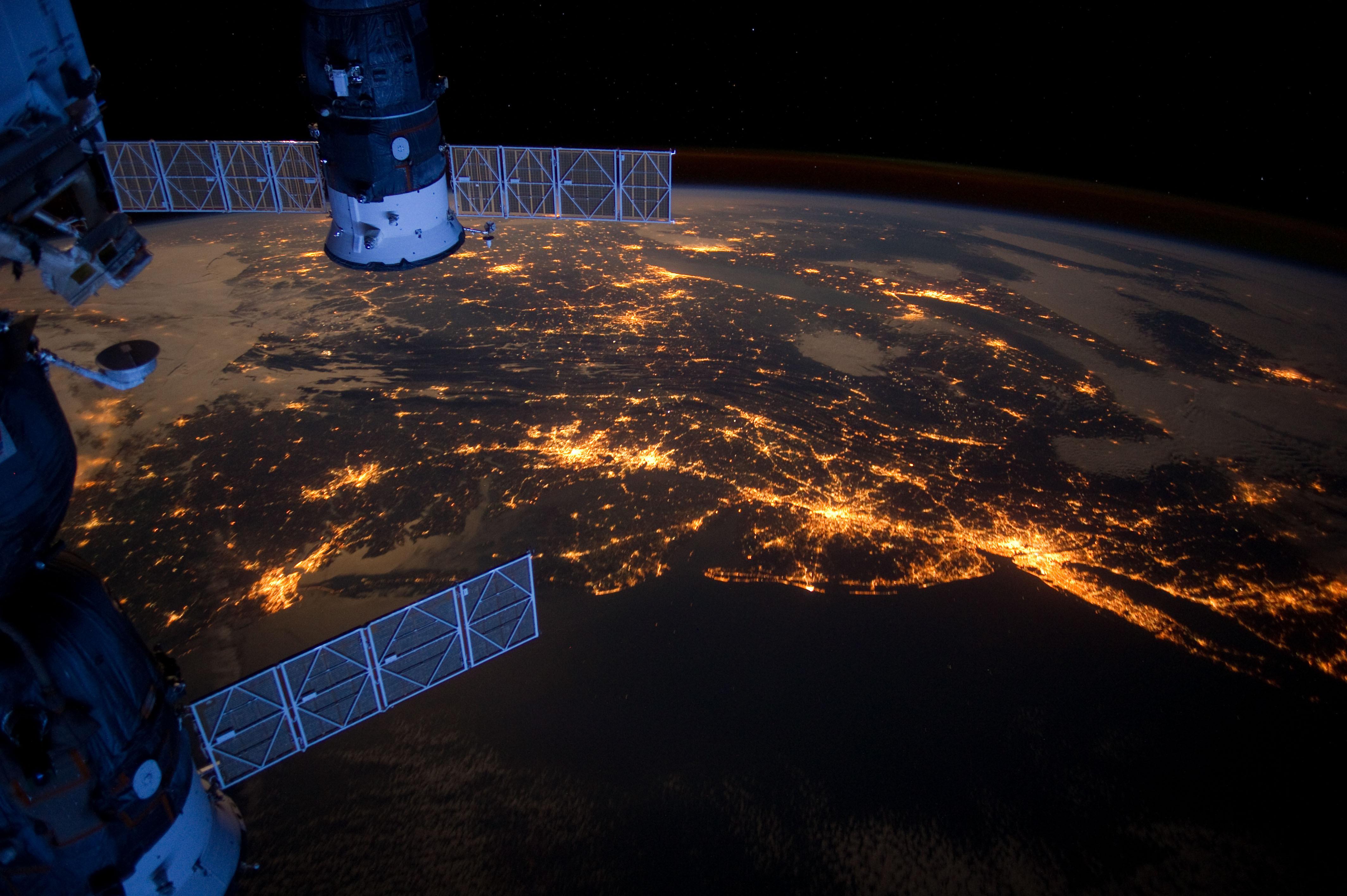 Earth From Space Hd Wallpaper Sf Wallpaper
