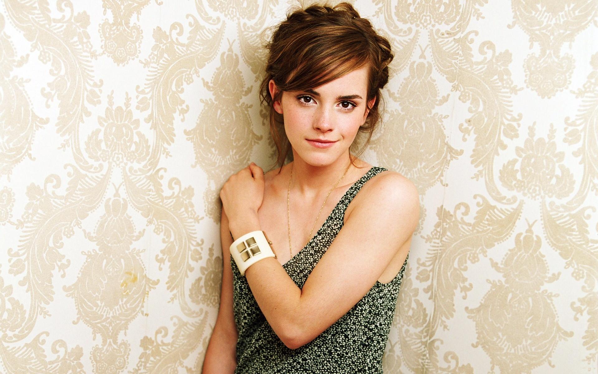 Emma Watson Hot HD Wallpapers Group (65+)