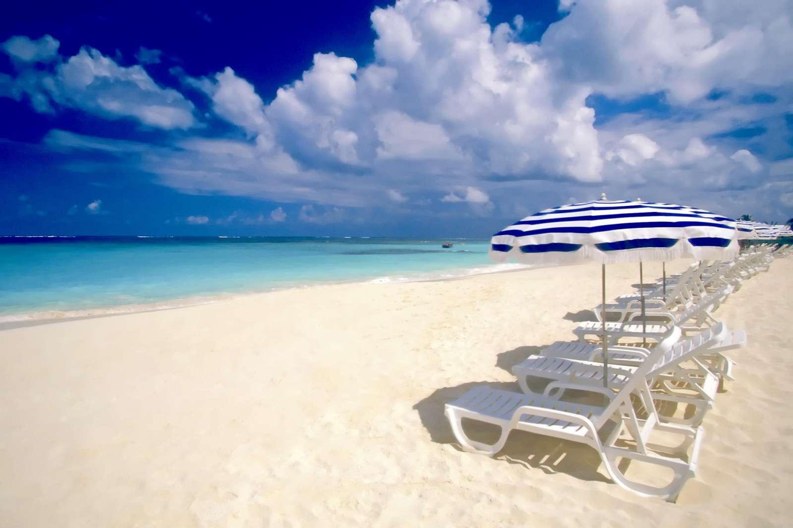 Free Beach Scene Wallpaper