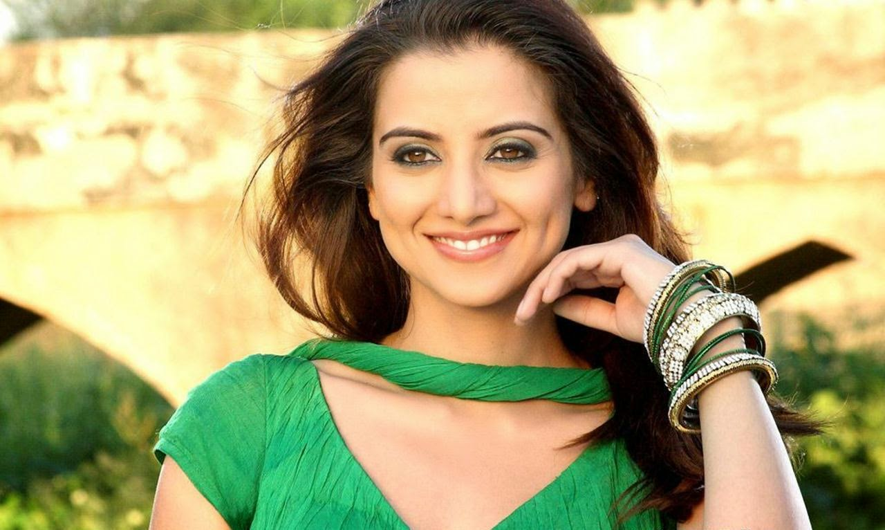 Beautiful Punjabi Girls Wallpapers and Pictures – One HD Wallpaper