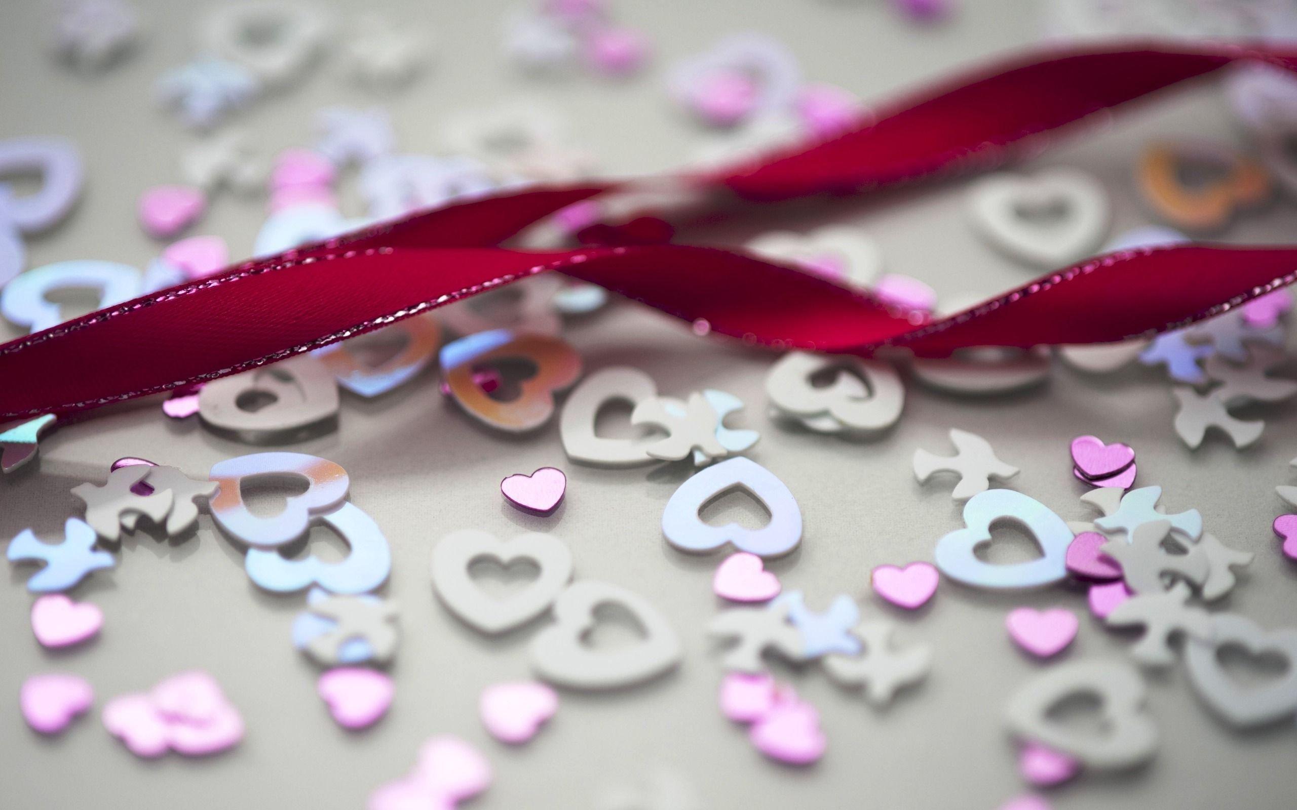 Heart Shaped Glitter Wallpaper
