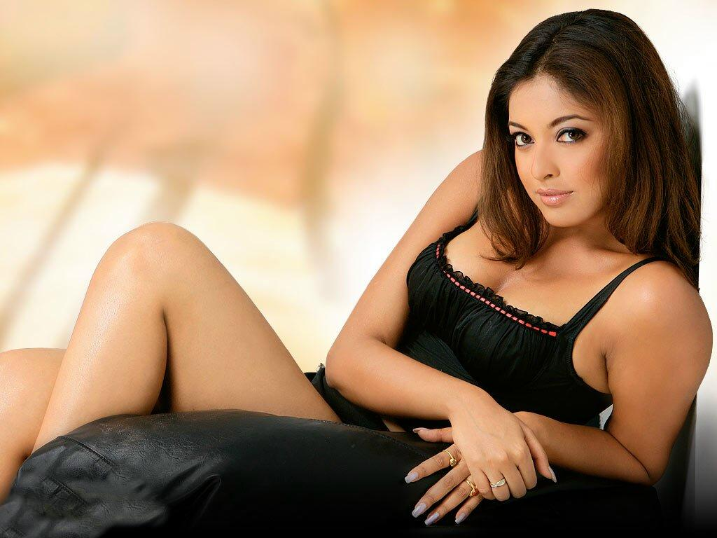 Collection of Bollywood Actress Hot Wallpaper on HDWallpapers