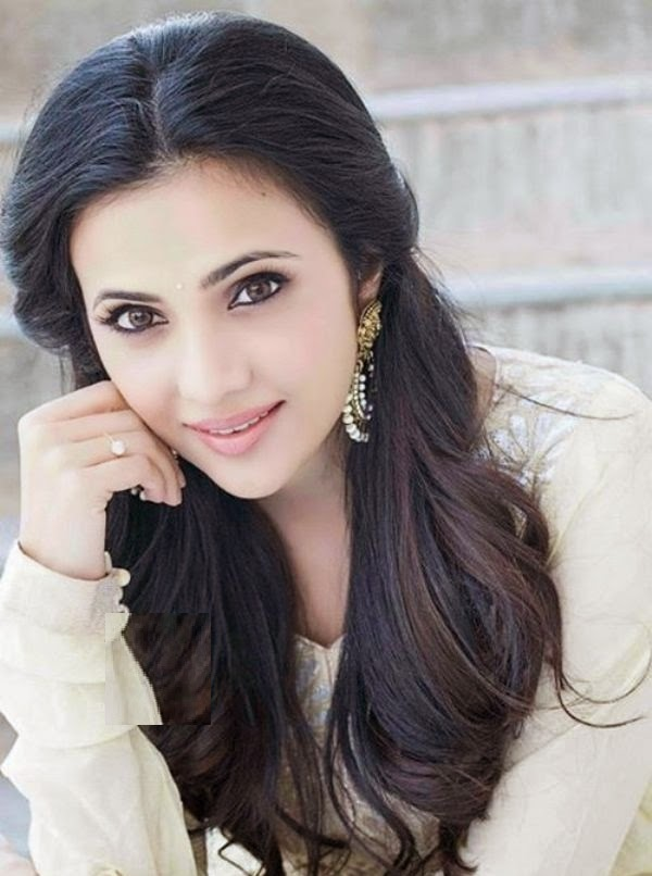 Shilpa Anand Hot HD Photos and Wallpapers - Actress Host