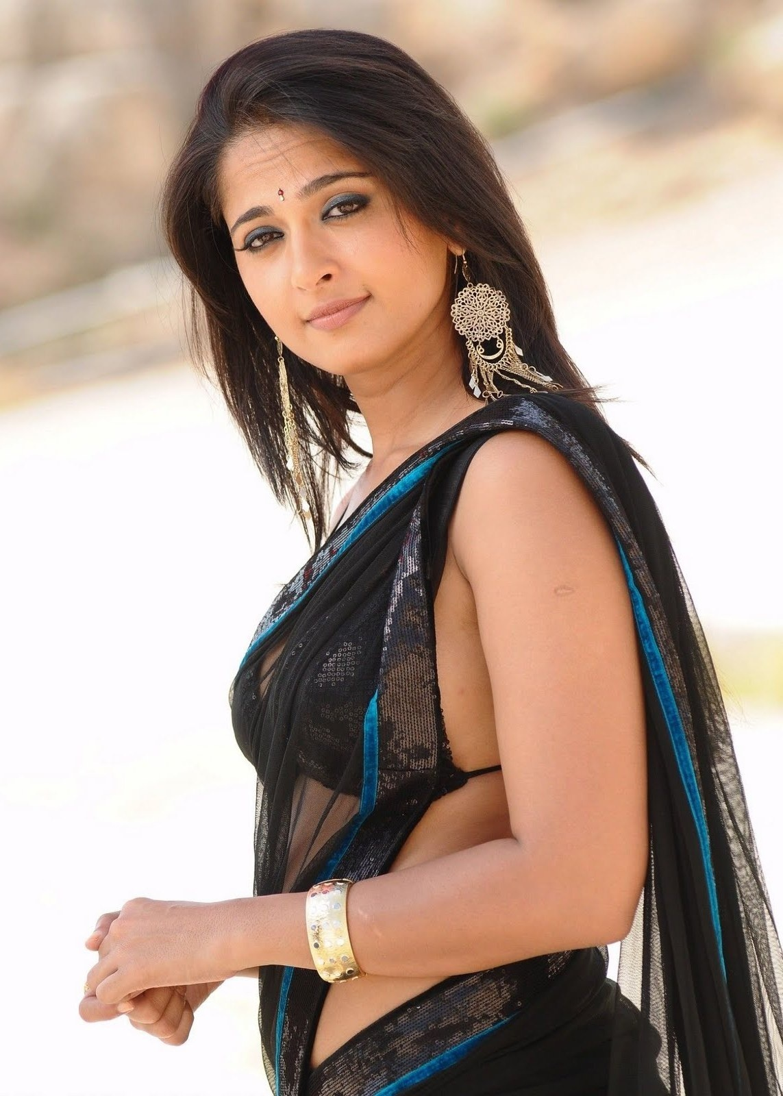 Download Anushka Shetty - Sexy HQ Photo Wallpaper HD FREE Uploaded
