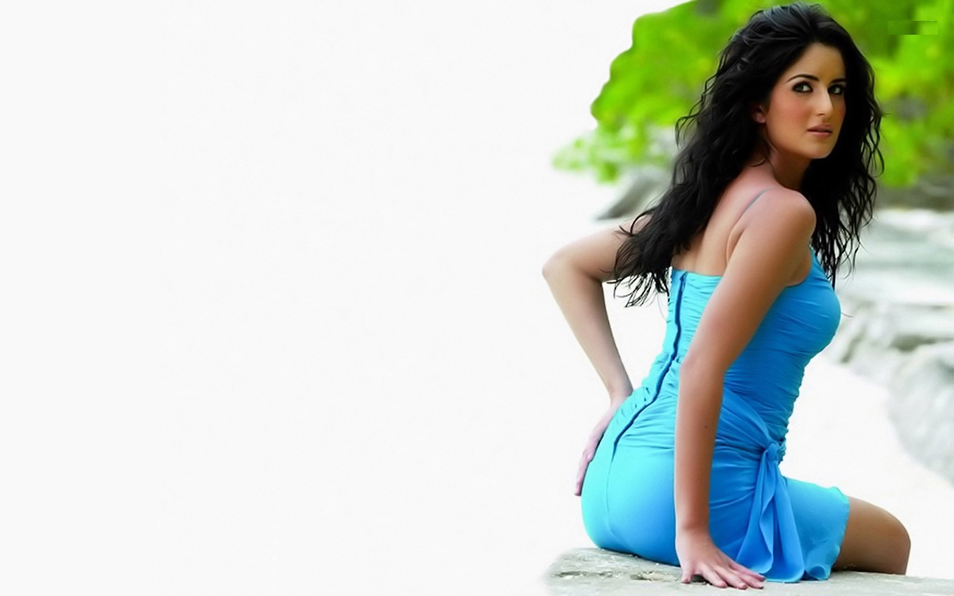Katrina Kaif Hot HD Wallpapers, Sizzling Unseen Pictures