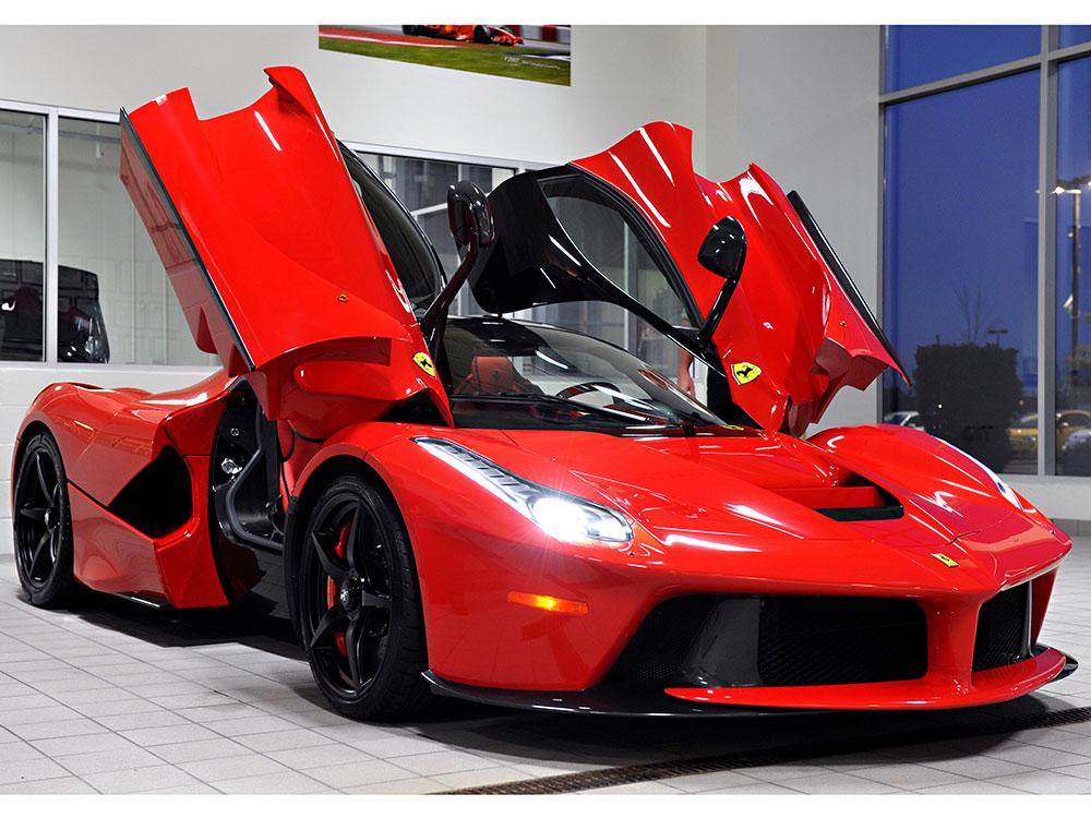 Nice wallpapers of the Italian car brand Ferrari