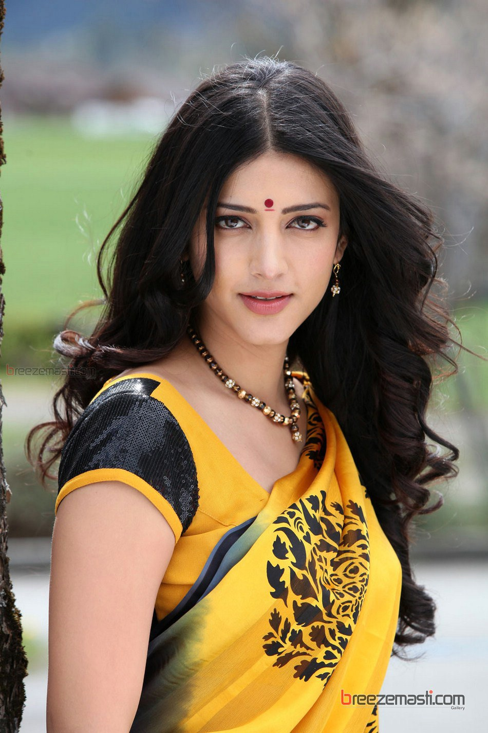 shruti-hassan-bollywood-actress-hot-photos-2 - breezemasti gallery