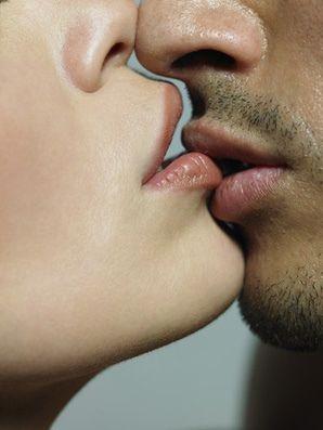 2  Single Lip Kiss - 25 Kisses