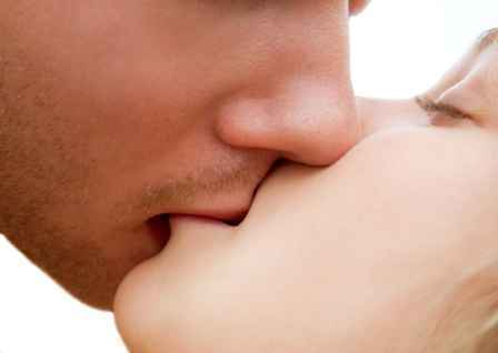 lips kiss images