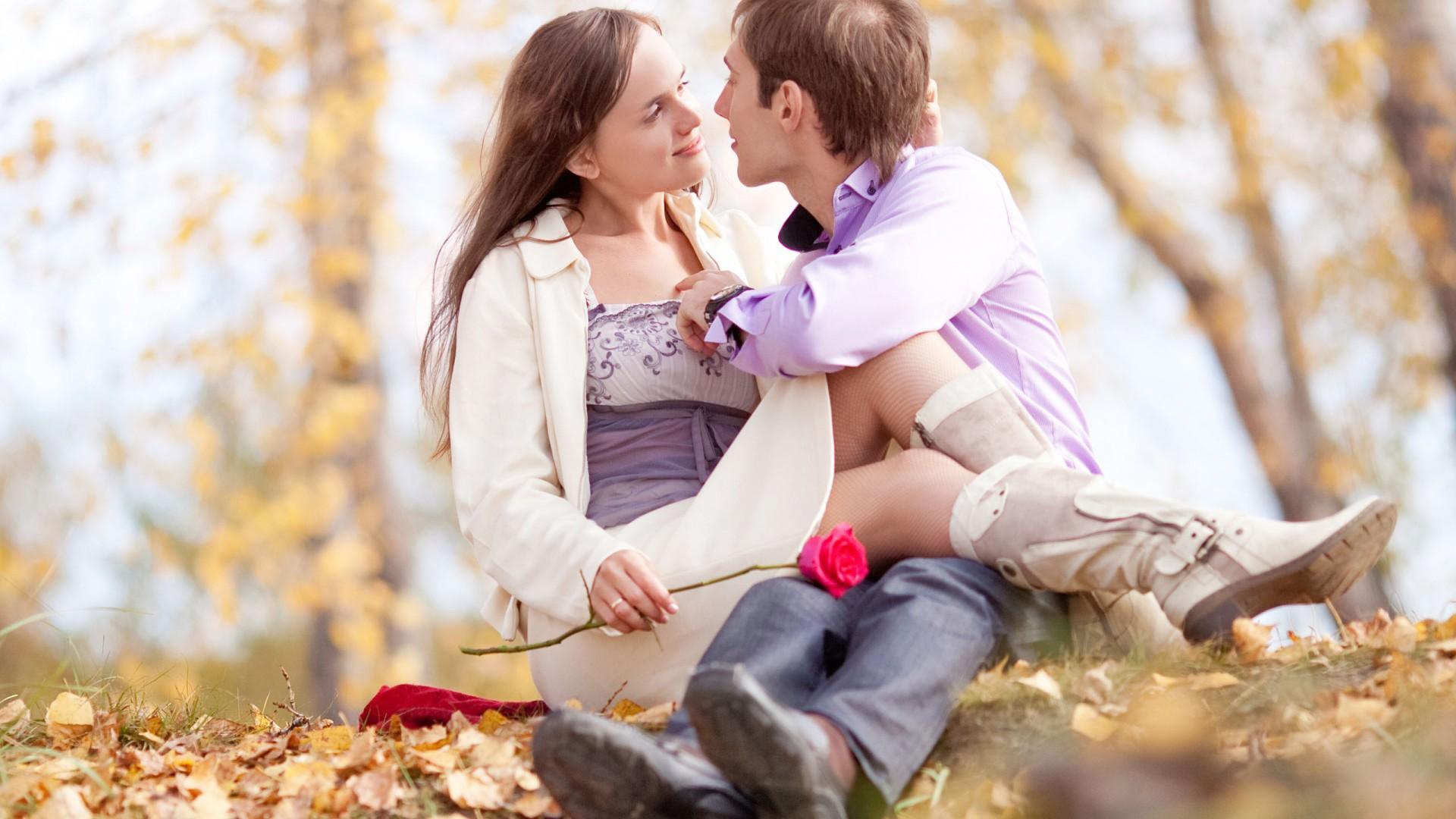 Cute Romantic Love kiss Images