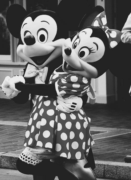 Minnie and Mickey Mouse phone wallpaper background | Disney