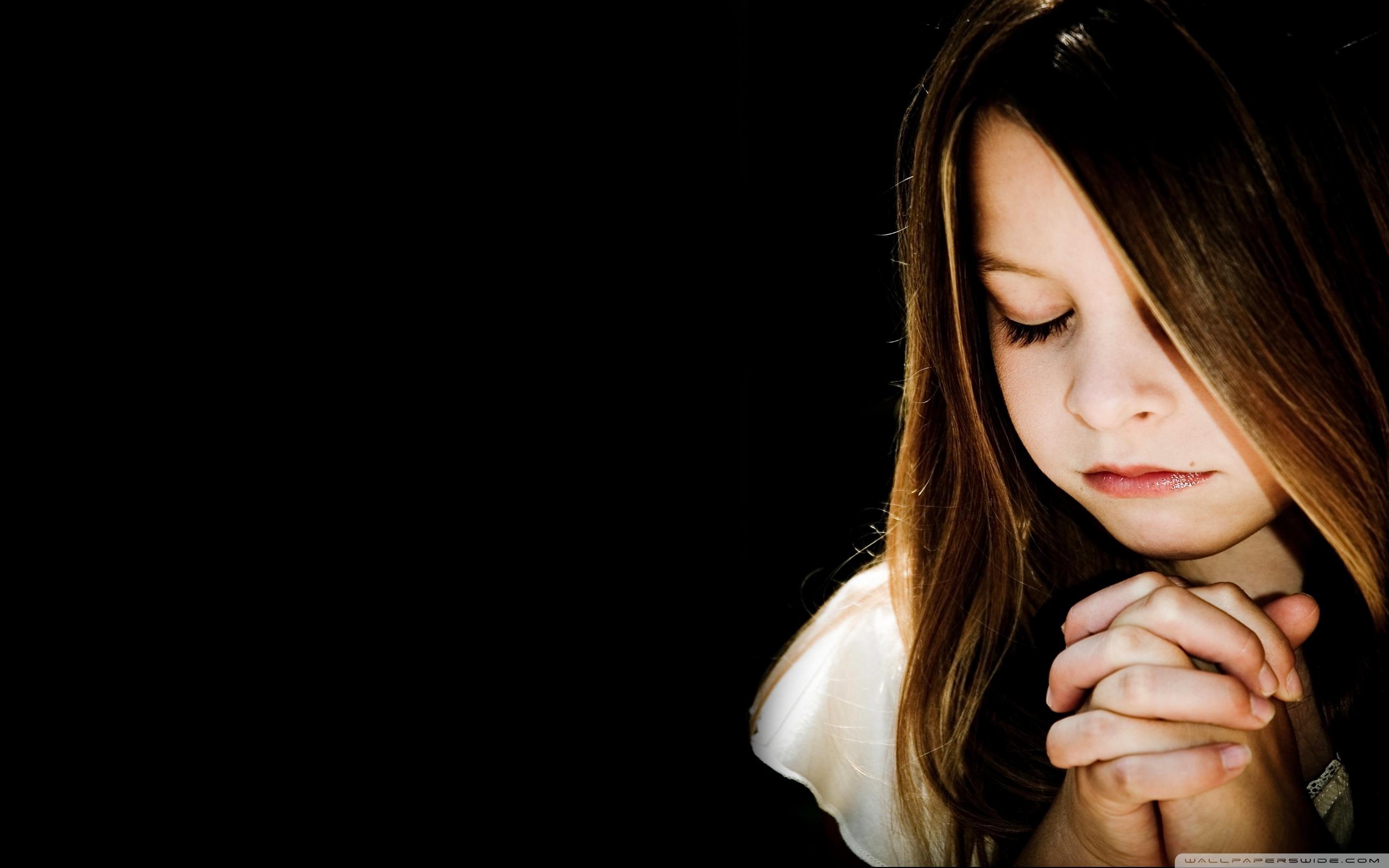 Child Praying HD desktop wallpaper : High Definition : Fullscreen