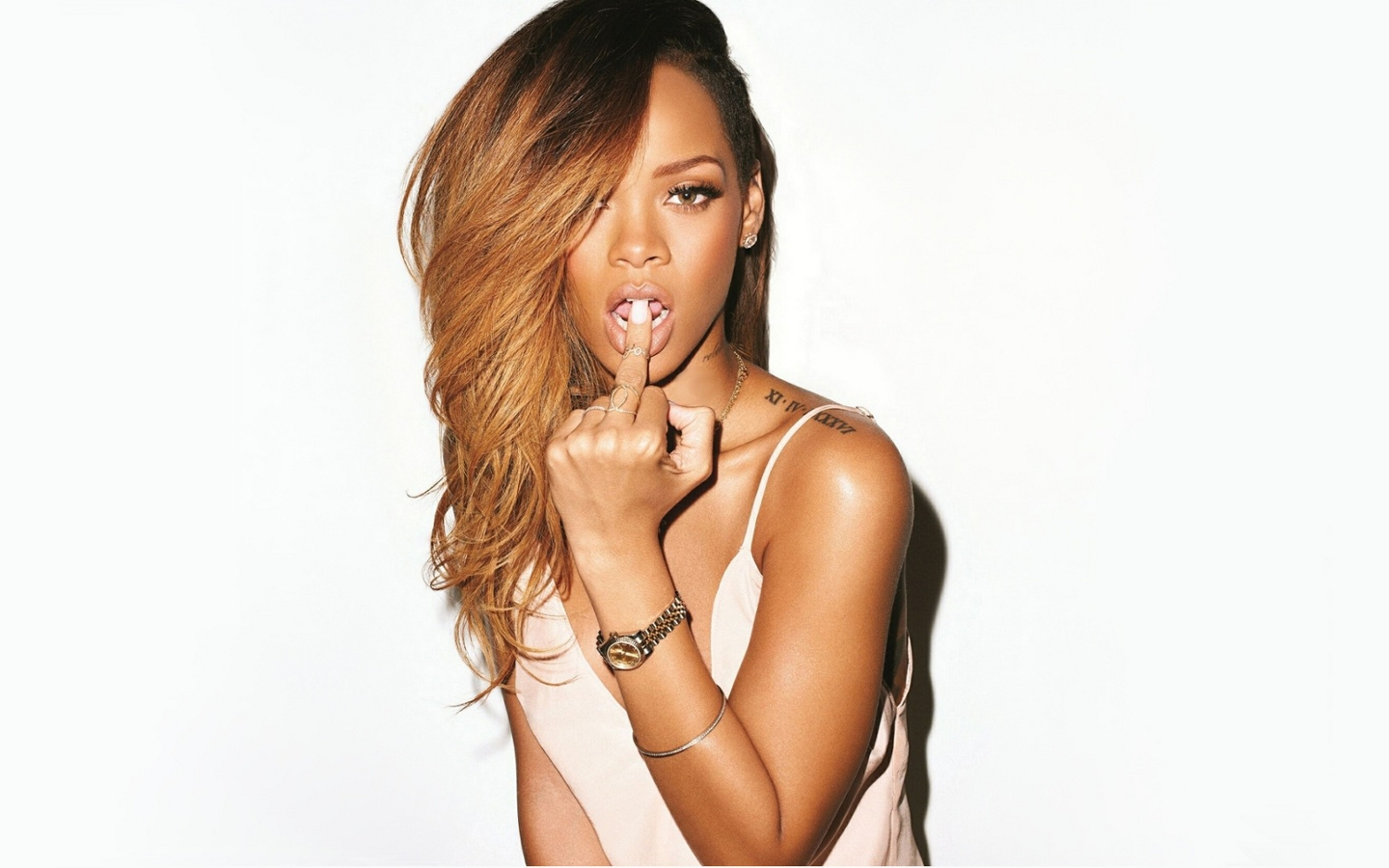 rihanna-wallpaper-23 jpg