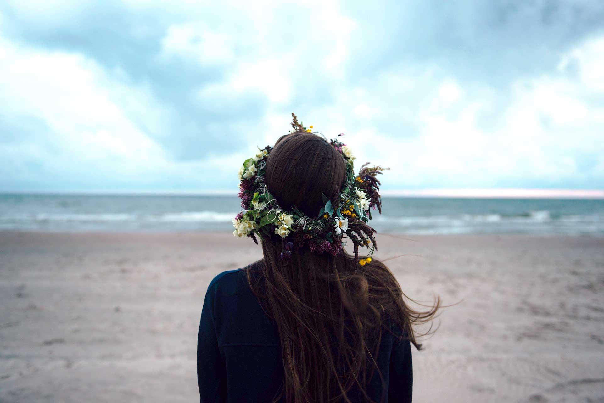 49+ Heart Touching HD Sad Girl Wallpaper for Broken Heart Alone Girl
