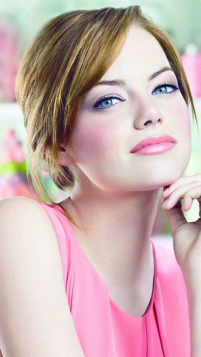 Emma Stone iPhone Wallpaper - WallpaperSafari
