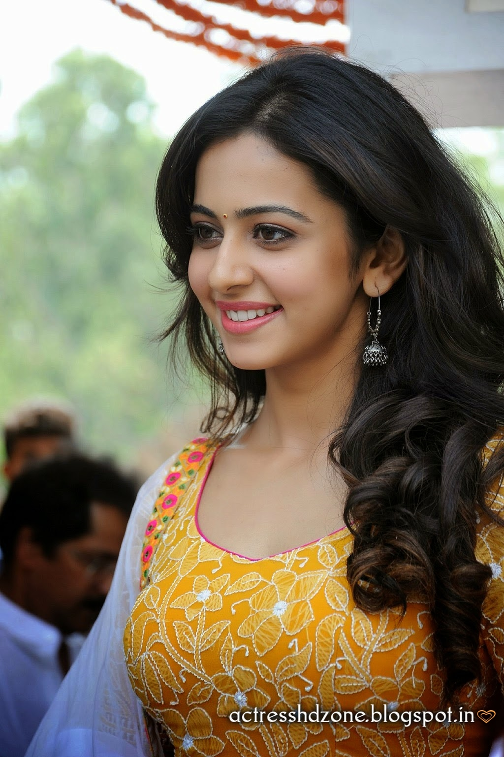 RAKUL PREET SING full HD wallpapers in yellow dress | Gallery