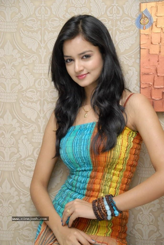 17 Best images about Shanvi Srivastava on Pinterest | Models