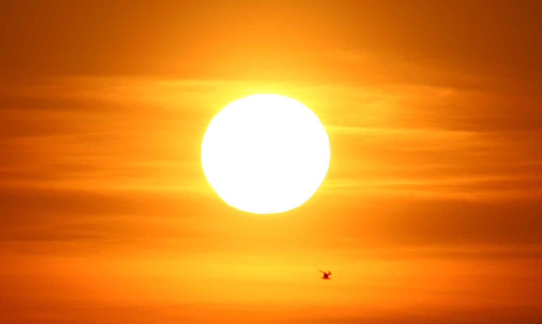 Sun Background 1540x920 - Full HD Wall